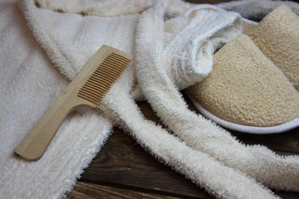 Eco Natural Bamboo Comb Hotel Necessities
